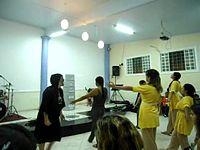 Dança Menina Louvorzão.mpg